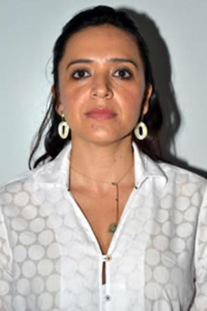Prefeita Karla Batista Cabral.
