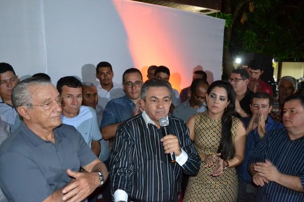 Deputado Antônio Pereira (DEM), promoveu um jantar para recepcionar o deputado federal Zé Reinaldo Tavares