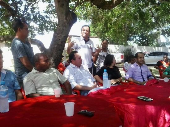 Prefeito de São Mateus e lideranças políticas com o vice-governador do Maranhão