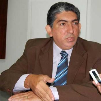 secretário de estado de Educação, Anselmo Raposo