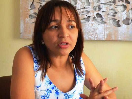 Pré-candidata, Eliziane Gama comete equívocos políticos..