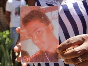 PM matou jovem de 19 anos durante desocupação de terreno em São Luís (Biaman Prado / O Estado)