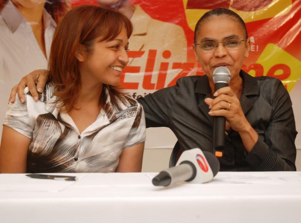 Eliziane ao lado de Marina na campanha de 2012.