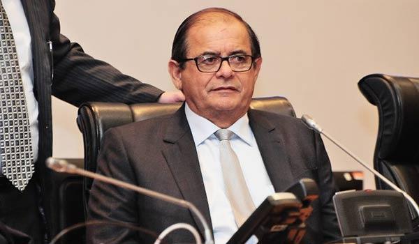 Presidente da Assembleia, deputado Humberto Coutinho.