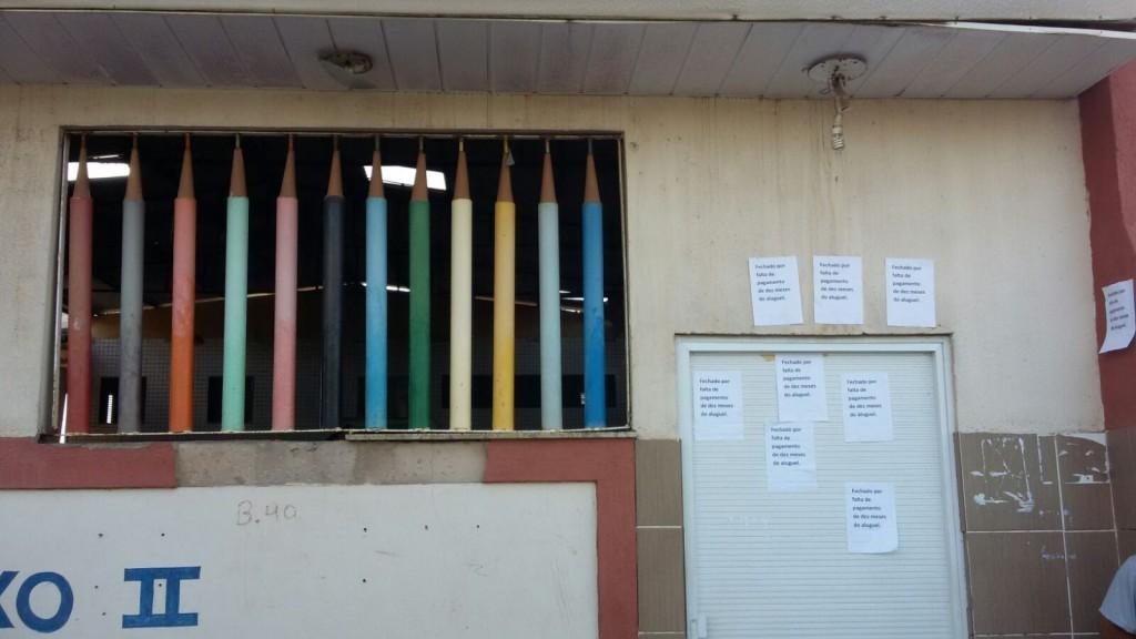 Escola de portas fechadas