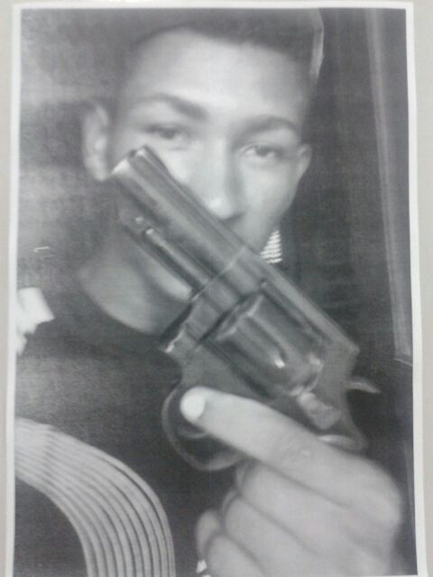 Foto encontrada no celular do criminoso que participou da chacina em Panaquatira.
