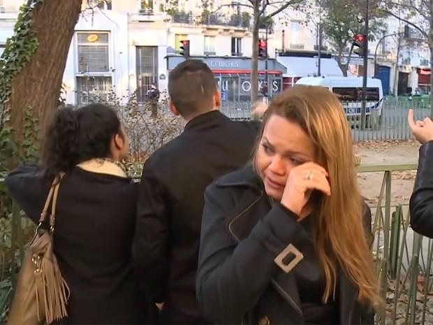 Cantora maranhense, Anna Torres, se emociona ao falar da tragédia ocorrida em Paris.