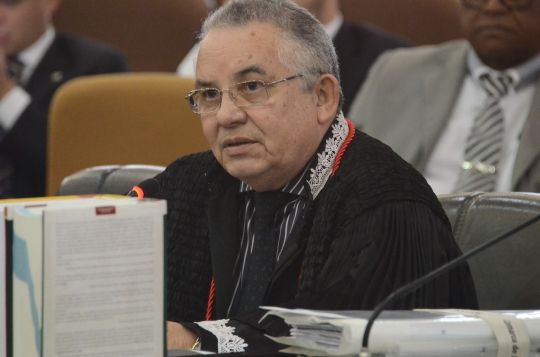Desembargador Marcelino Everton, relator do processo.