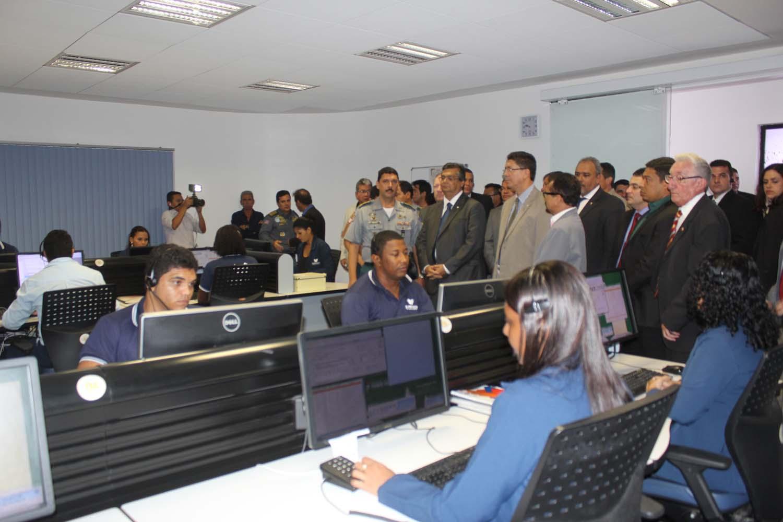 Governador Flávio Dino entrega equipamentos de Segurança Pública.