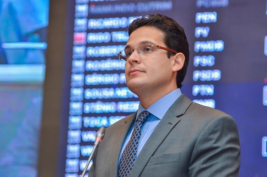 Deputado Alexandre Almeida.