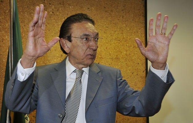 Senador Edison Lobão.