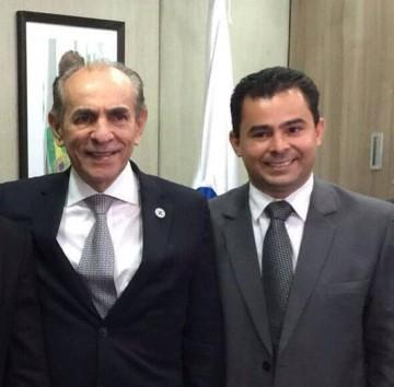 Ministro-da-Saúde-Marcelo-Castro-e-o-prefeito-Eric-Costa-e1454526678904