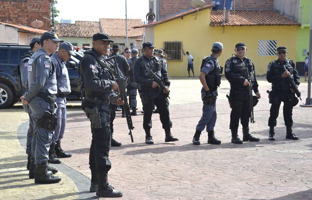 Foto_14_Karlos-Geromy_20_05_Policia-na-Rua-1024x657