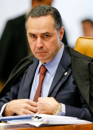 """""""Acho que os juízes devem ser bem pagos, mediante subsídios e de uma forma transparente"""", disse Barroso."""