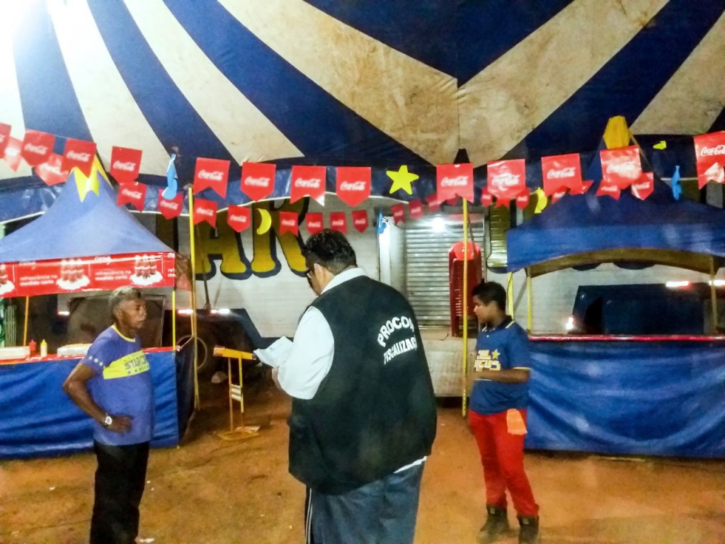 Fiscais do PROCON em Codó em vistoria no circo
