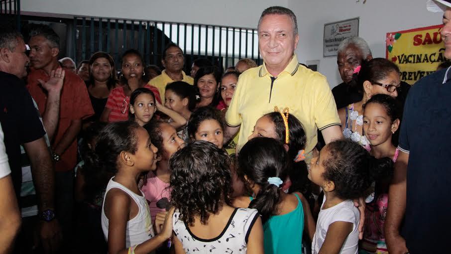 Luis Fernando durante ação Onibus Lilás