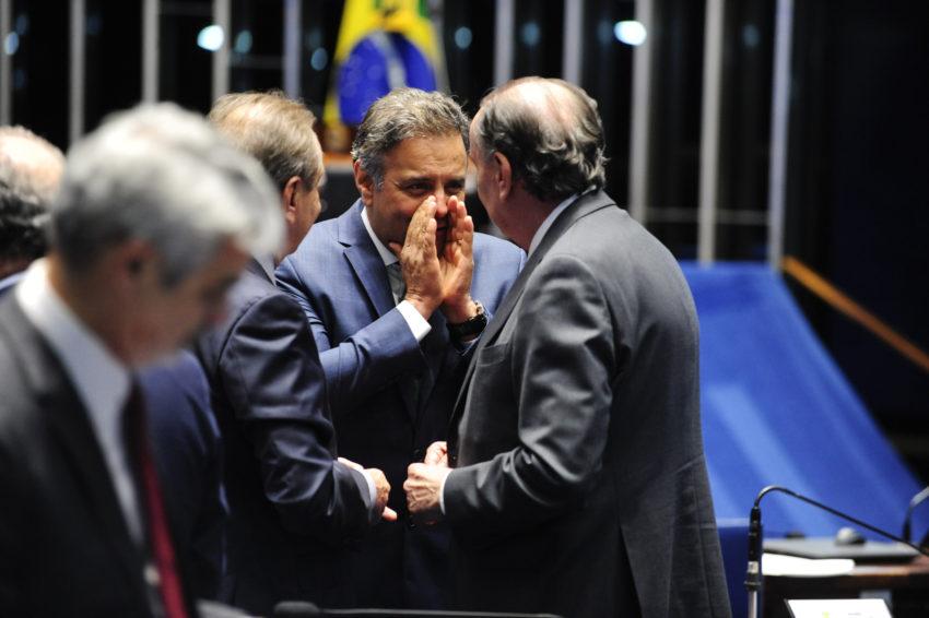 Plenário do Senado durante sessão deliberativa ordinária. (E/D): senador José Agripino (DEM-RN); senador Aécio Neves (PSDB-MG); senador Aloysio Nunes Ferreira (PSDB-SP). Fotos: Jonas Pereira/Agência Senado