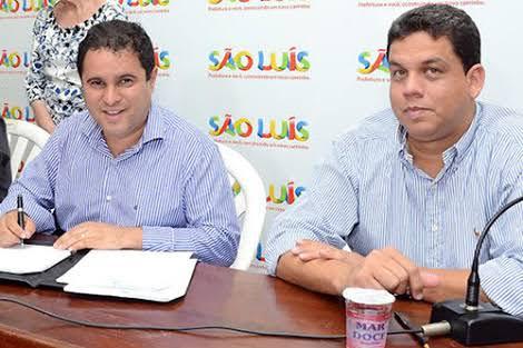 Edivaldo Júnior ao lado de Lula Fylho, secretário de Saúde. Com a decisão, Lula é obrigado pela Justiça a fornecer pela secretaria bolsas para colostomia.