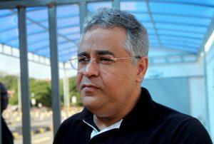 Secretário de Meio Ambiente, Marcelo Coelho, emitiu licença, mesmo a empresa não possuindo autorização da Capitania dos Portos.